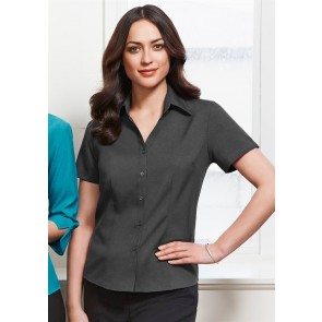 Biz Collection Ladies Plain Oasis Short Sleeve Shirt - Model